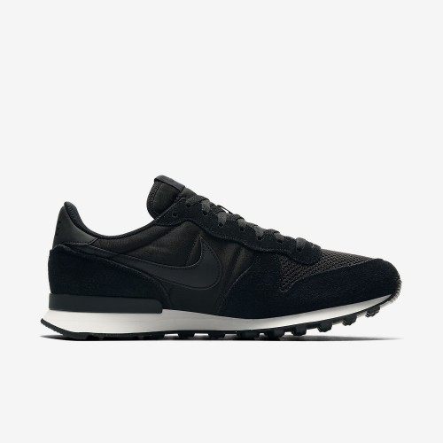 Nike leisure shoes Internationalist SE black