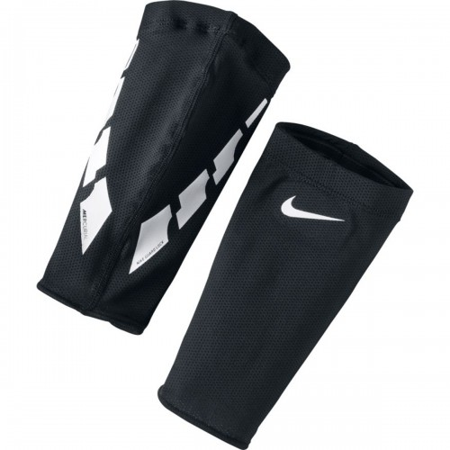 Nike Guard Lock Elite Football Sleeve black